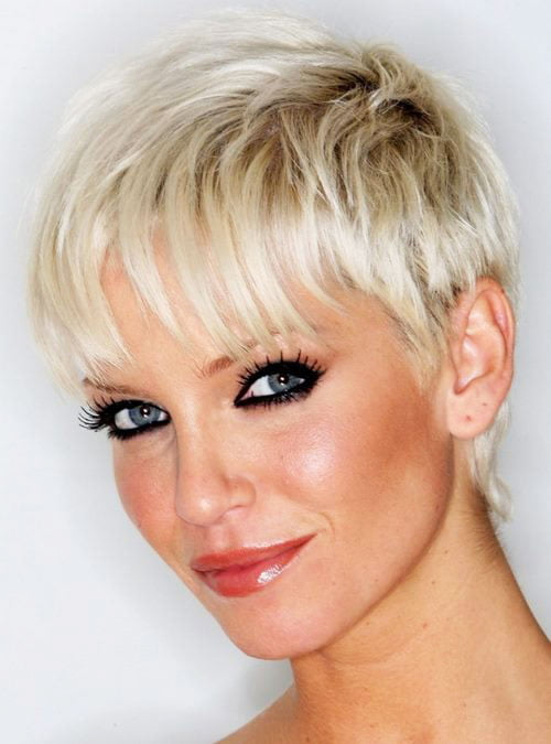 Short Pixie Easy Hairstyles for Thick Hair (12)