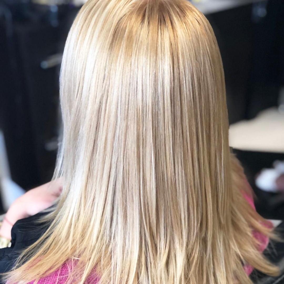 55 Best White Blond Wavy Hair Color Ideas 2 1