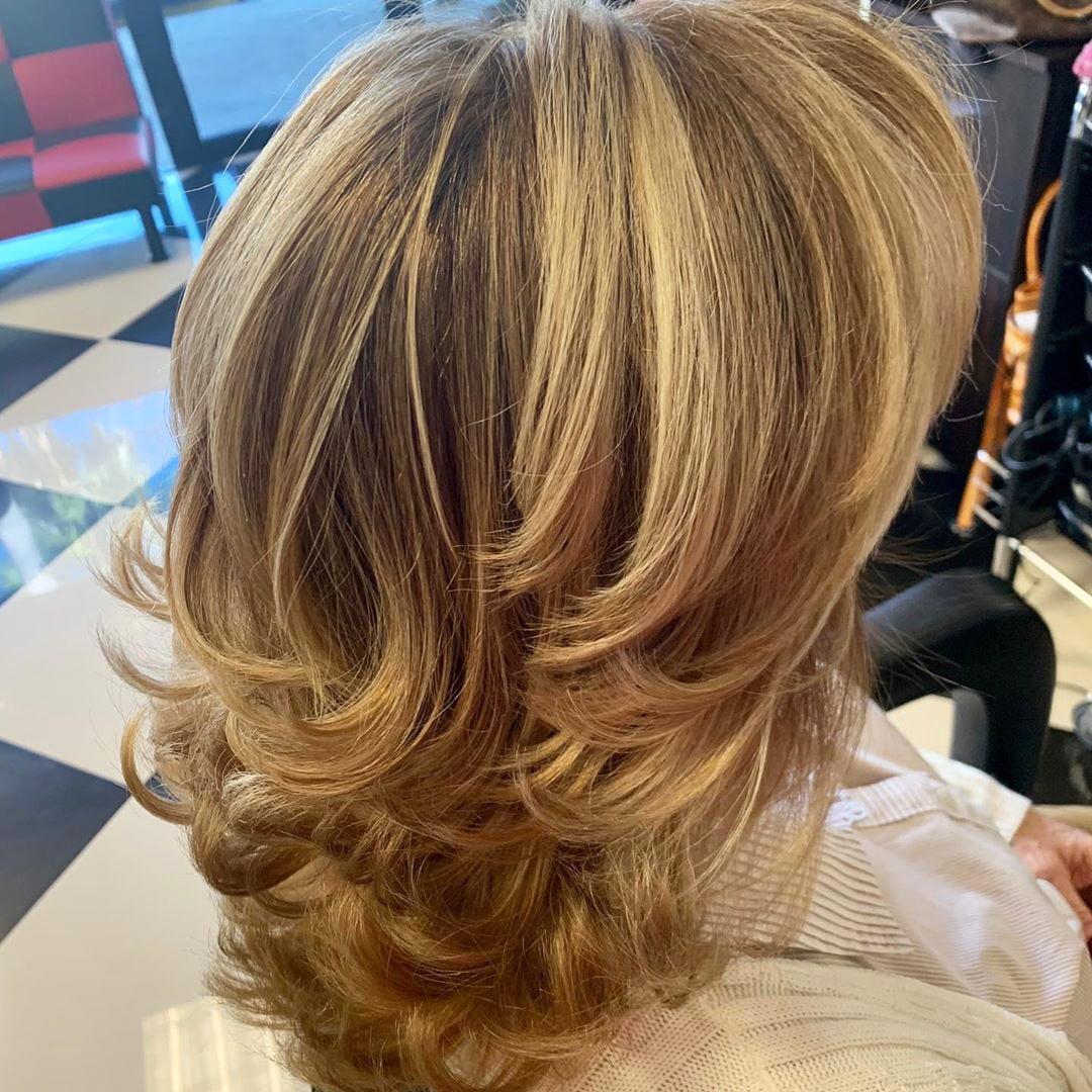55 Best White Blond Wavy Hair Color Ideas (28)