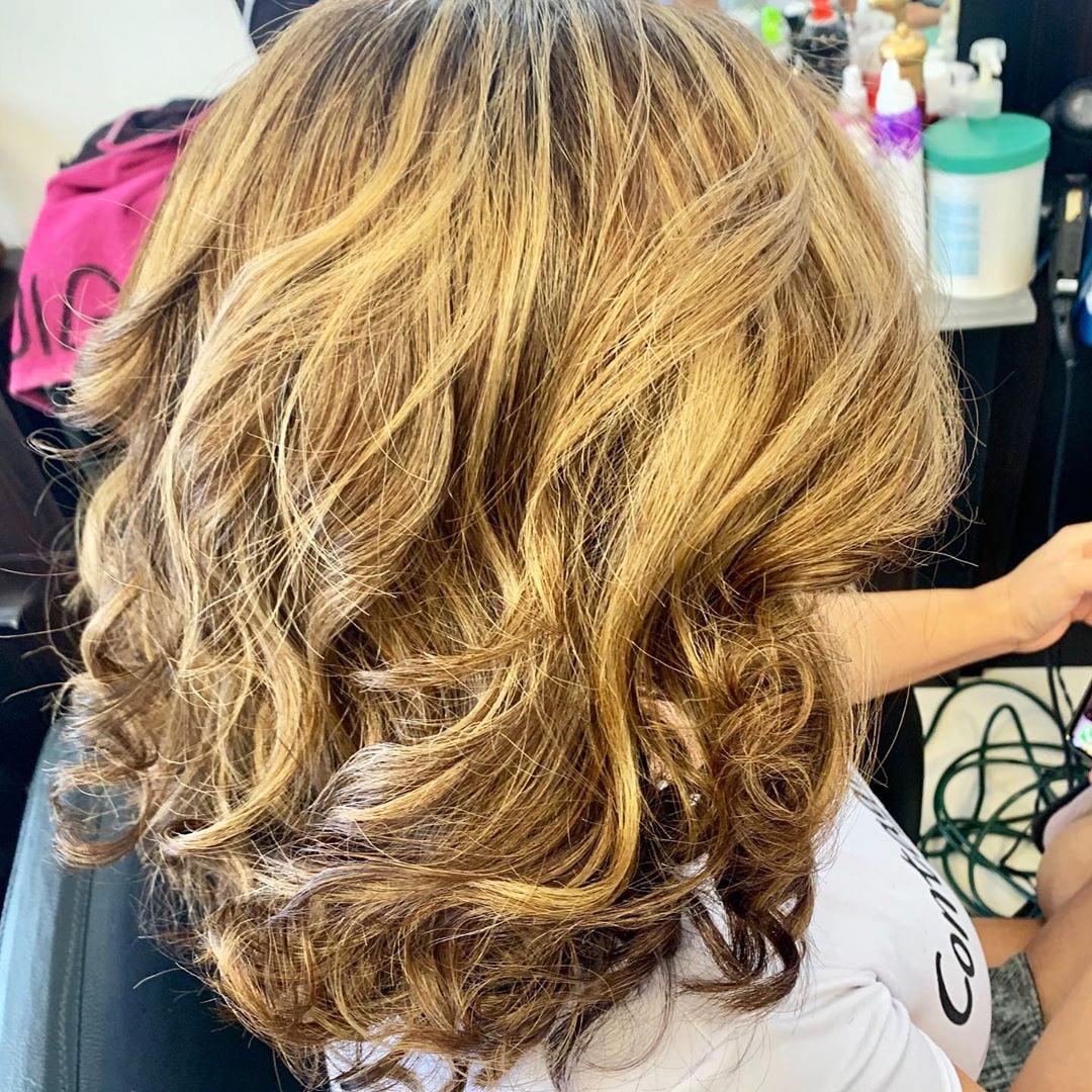 55 Best White Blond Wavy Hair Color Ideas (59)