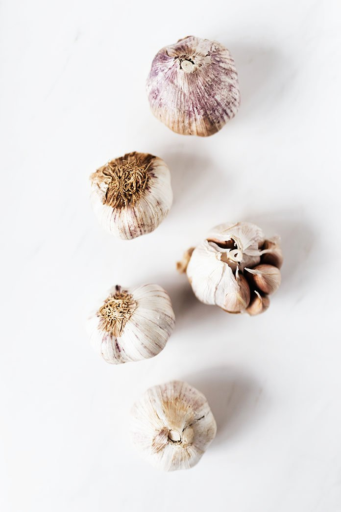 different types of garlic cloves