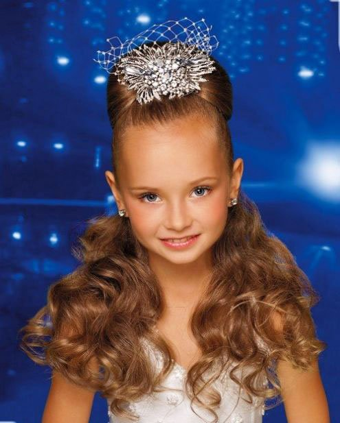 The most beautiful hairstyles for girls at the prom 63 5