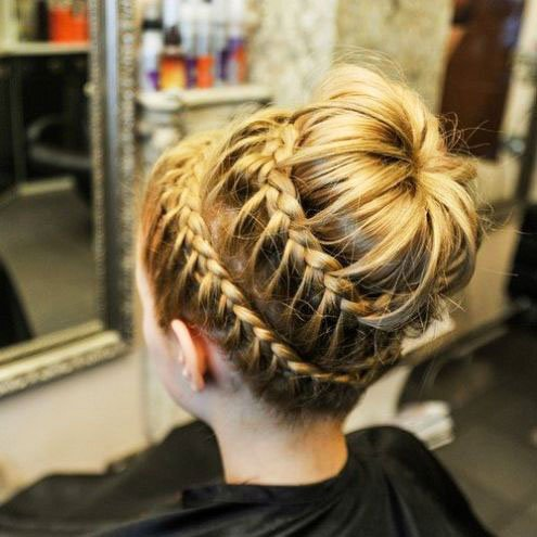 The most beautiful hairstyles for girls at the prom 70 47