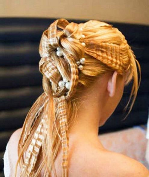 The most beautiful hairstyles for girls at the prom 96 49