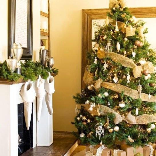Christmas Tree in Golden Tones